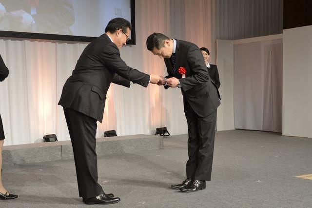 「LIXILメンバーズコンテスト2015」にて『エコロジー賞』を受賞致しました。